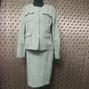 Premise suit skirt